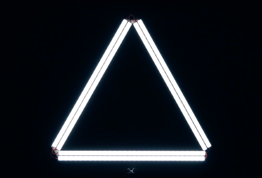 "DSLR Video Shooter – DIY Triangle ""Ring"" LED Light"