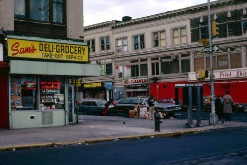 bb6bb821f1979-new-york-city-5av-w125-st_15818391055_o-jpg-mobile