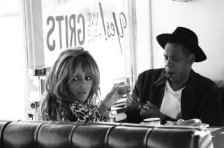 Beyonce_JAY_Z_On_the_Run_Tour_Book_by_Mason_Poole_2014_01-750x498